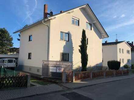 Helle 2,5-Zimmer-Dachgeschosswohnung mit EBK und Balkon in Bad Nauheim