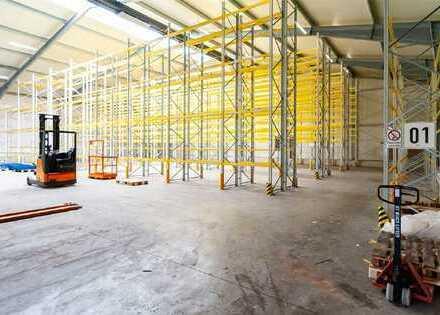 Beheizbare moderne Lagerhalle mit Rampenandienung