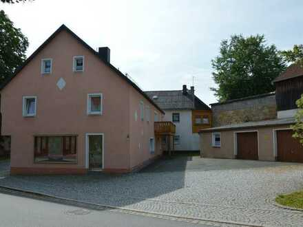 Äußerst großzügiges Wohnhaus mit pflegeleichtem Grundstück möchte wieder mit Leben erfüllt werden!