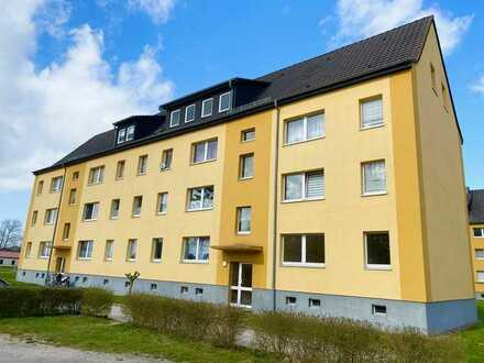 3-Raumwohnung in Ahrenshagen mit PVC-Bodenbelag und Duschbad...!!!