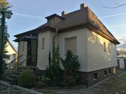 sanierungsbedürftiges Haus mit vier Zimmern in Birkenwerder, Nähe S-Bahnhof