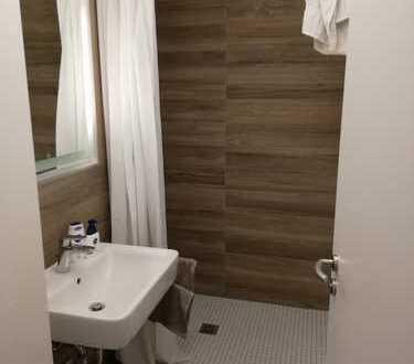 Möblierte neu renovierte 3-Zimmer-Wohnung in Schwabing-West, München