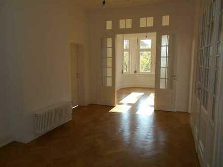 Exklusive Wohnung in Stil-Altbau-Villa in Ffm-Sachsenhausen