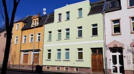 Attraktive Nettorendite! Vollvermietetes Mehrfamilienhaus in Wilkau-Haßlau