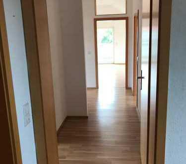 Schöne helle Wohnung in Kleinengstingen