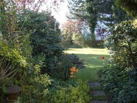 Stuttgart-Dürrlewang: Sonniges möbliertes Haus mit schönem Garten befristet zu vermieten