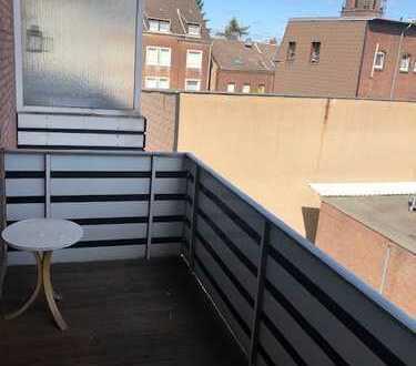 Schöne 2 Zimmer Wohnung mit Balkon im Herzen von Homberg