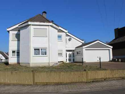 Traumhaftes Zweifamilienhaus sucht neue Eigentümer!