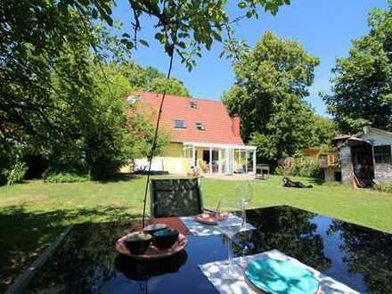 Hohen Neuendorf: Einfamilienhaus mit 800m² Garten, 6 Zimmer, 2 Bäder, Kamin, Sauna, Whirlpool