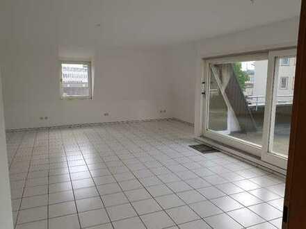 Büro im Penthouse , mit Aufzug bis in die Räume in Heilbronn Zentrumsnähe.