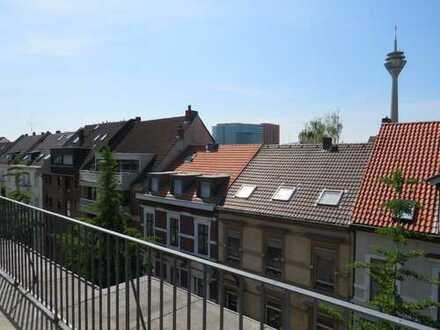 ERSTEINZUG NACH SANIERUNG: Exklusive 2-Zimmer-Terrassenwohnung in D-Unterbilk