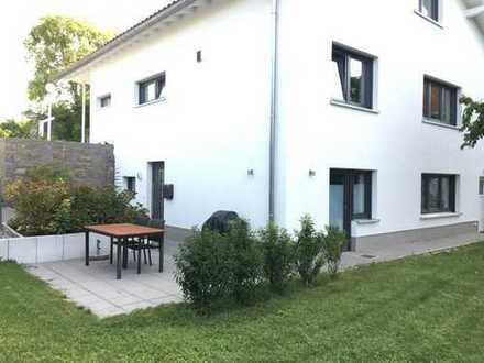 Schöne 2-Zimmer-Wohnung mit Terrasse, Einbauküche und Stellplatz in Sinzheim - Vormberg