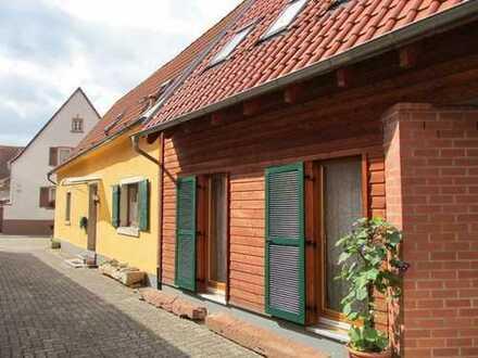 Sie hier ? Wir auch ! Romantisches Einfamilienhaus mit Scheune und Garten im historischen Tabakdorf
