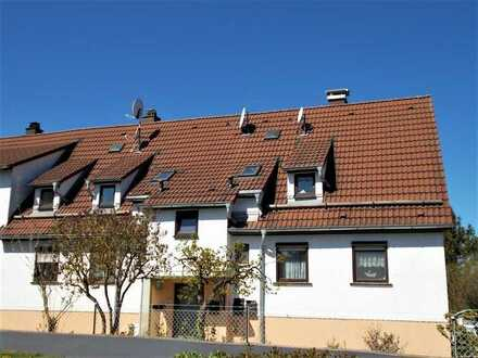 4-Zimmer-Wohnung, ca. 91 m², ruhig, Doppelgarage, ca. 50 m² Gartenanteil eingezäunt