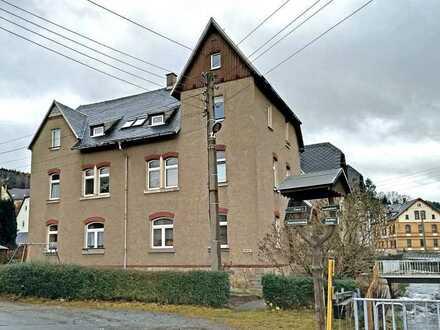 *Auf Wunsch mit neuem Boden! - schöne 2-ZKB-Wohnung in Gornsdorf