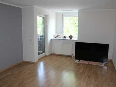 Schön geschnittene 2-Zimmer-Wohnung mit Balkon und Duplex-Stellplatz
