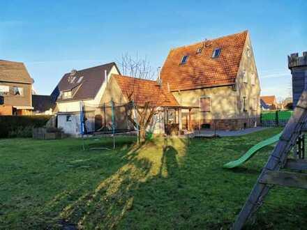 RUDNICK bietet GESTALLTUNGSFREIHEIT: Einfamilienhaus auf großem Grundstück nah am Kanal