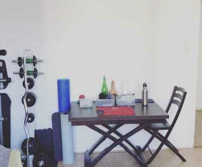 ⭐️KLINIKVIERTEL-Gepflegte 2 Zimmerwohnung mit Laminat, Einbauküche und weißem Wannenbad⭐️