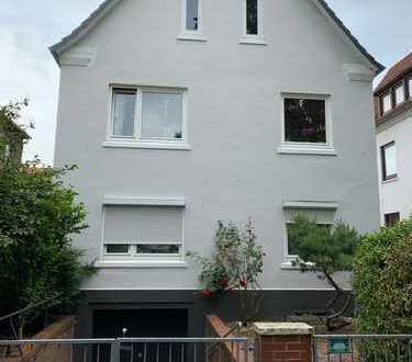 schick wohnen oben - 2,5 Zimmer Wohnung im Dachgeschoß