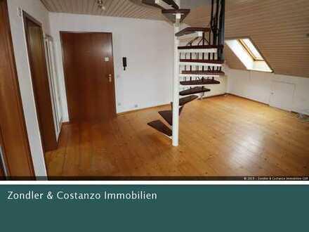 WINTERBACH: Gemütliche 1,5-Zi.-DG-Wohnung ~ EBK ~ TL-Bad ~ Balkon ~ 1 Pkw-Stpl. ~ 1 Keller ~