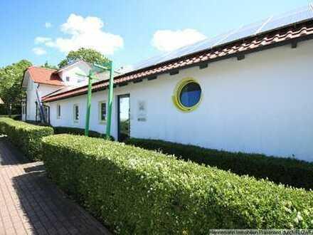 Wohnen & arbeiten: Repräsentative, moderne Villa in Seenähe von Bordesholm