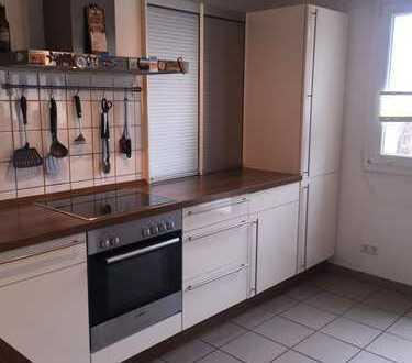 Schöne 3,5-Zimmer-Maisonette-Wohnung mit 2 Balkonen über den Dächern von Düsseldorf-Flingern