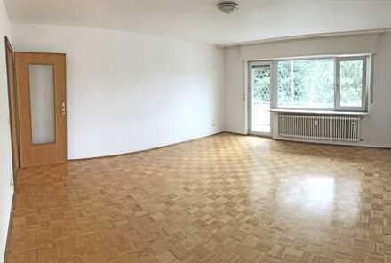 5673 - Geräumige 4-Zimmerwohnung mit Balkon und Garage in Südost-Ausrichtung!