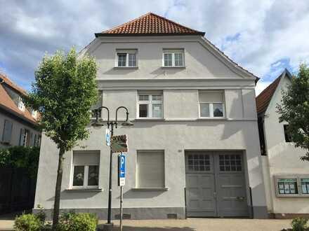 Kompl. modernisierte 5 Zimmer-Eigentumswohnung + Stellplatz in nur 3-Parteienhaus von Herxheim
