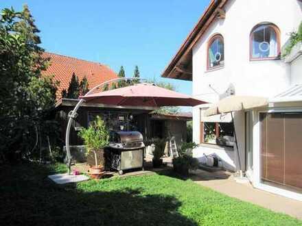 Immoness24.de Große 4,5 Zimmer Wohnung mit Wintergarten