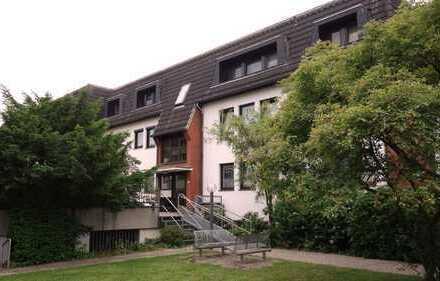 freie 2-Zimmer-Hochparterre Wohnung mit Gartenbalkon und Garagenstellplatz