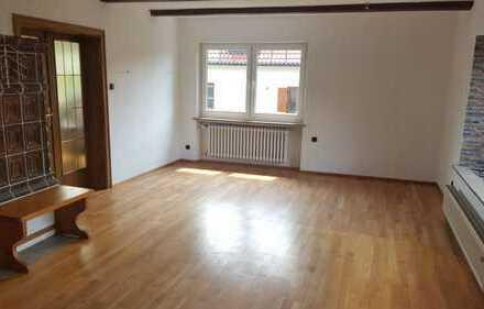 Schöne vier Zimmer Wohnung in Amberg/Dreifaltigkeitsviertel