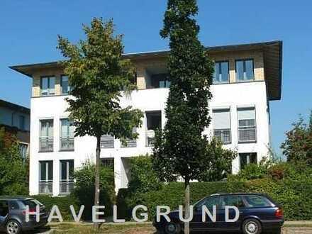 Zentral: Großzügige 3-Zimmer-Wohnung mit Loggia - an der Berliner Stadtgrenze - Falkensee - freiwerd