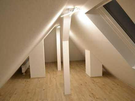 Komplett saniertes, voll möbliertes WG-Zimmer in 6er WG