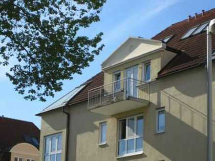 Apartment im DG mit Balkon und Blick auf die Elbhänge zu verkaufen