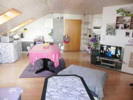 Ihr Schritt zum Eigentum: Geräumige und gut vermietete 2 Zimmer Wohnung mit Balkon!