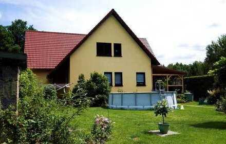 Ideal für Familien! Erdgeschosswohnung mit großem Garten, TG-Stellplatz und Sauna!