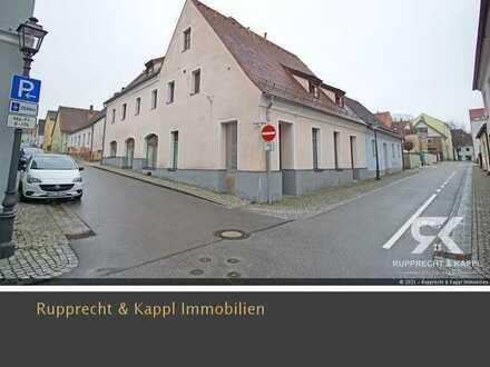 Profitables und kernsaniertes Mehrfamilienhaus mit Vermietung an den Freistaat in Vohenstrauß