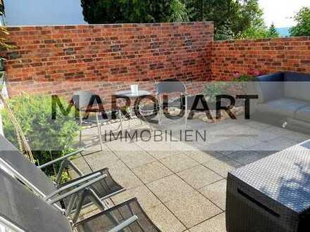 Wohnung mit Reihenhauscharakter, Dachterrasse, TG-Stellplatz, Pool