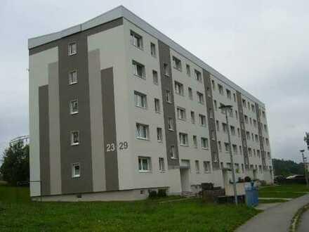 Schöne Lage Drei-Raum-Wohnung mit Balkon in Schwarzenberg-Heide zu vermieten!