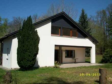 Idyllisch gelegenes 1 Familien-Haus am Waldrand