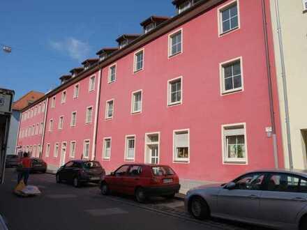 Nähe Wöhrder Wiese: Nette 2-Zimmer-Wohnung plus Wohnküche, 2. OG
