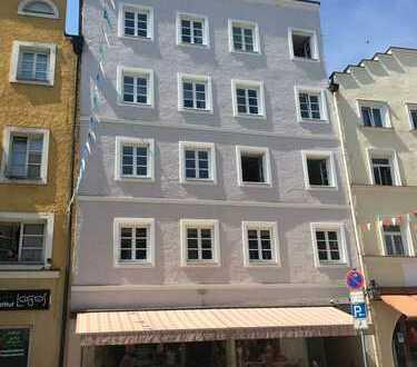 !Ideal für Kapitalanleger! Gut vermietete 2 Zi. Wohnung im Stadtzentrum von Trostberg.