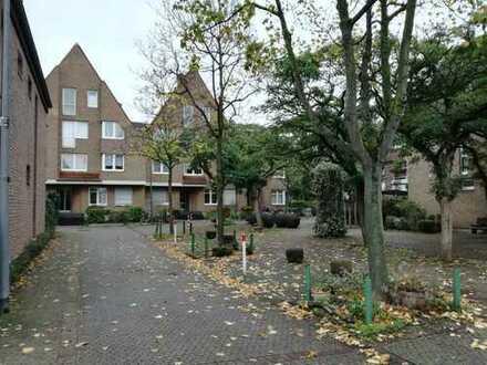 Helle 3-Zimmer-Wohnung mit Balkon in Köln-Braunsfeld