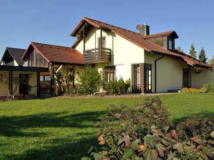Sonnig gelegenes ruhiges Haus mit großem Garten, Bobingen-Siedlung