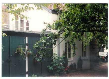 Ein eigenes kleines Haus zum Wohnen und Arbeiten im Herzen von Oberkassel