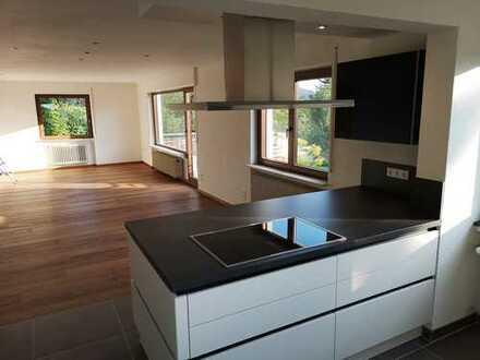 Schöne, geräumige drei Zimmer Wohnung in Weinheim