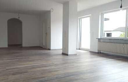 Schöne helle vier Zimmer Wohnung in Gießen (Kreis), Buseck