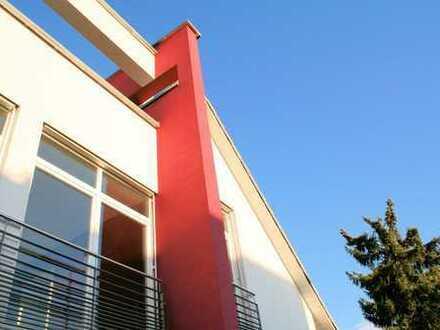 Oberursel: modernes Architektenhaus, Kamin, am Wald