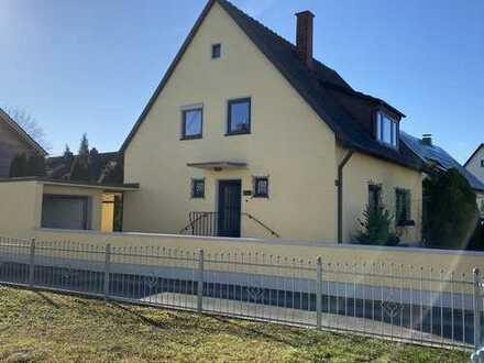 Schmuckes kleines Haus mit herrlichem, großem Gartengrundstück in beliebter Wohnlage