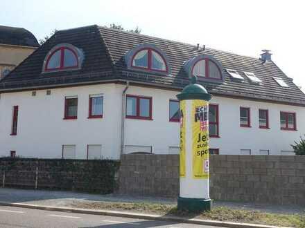 Erstbezug nach Umbau! Moderne 5-Zi.-Wohnung mit Südbalkon und EBK in zentraler Lage von Radebeul-Ost